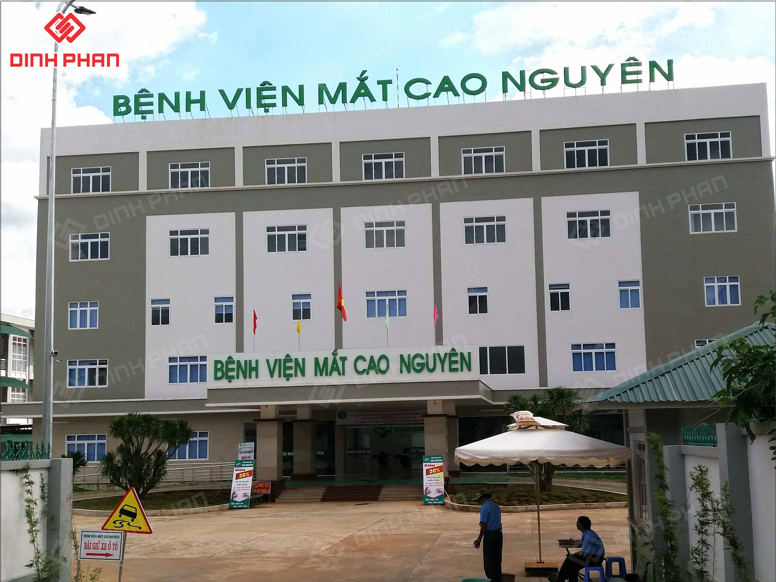 làm bảng hiệu bệnh viện - chữ nổi bệnh viện
