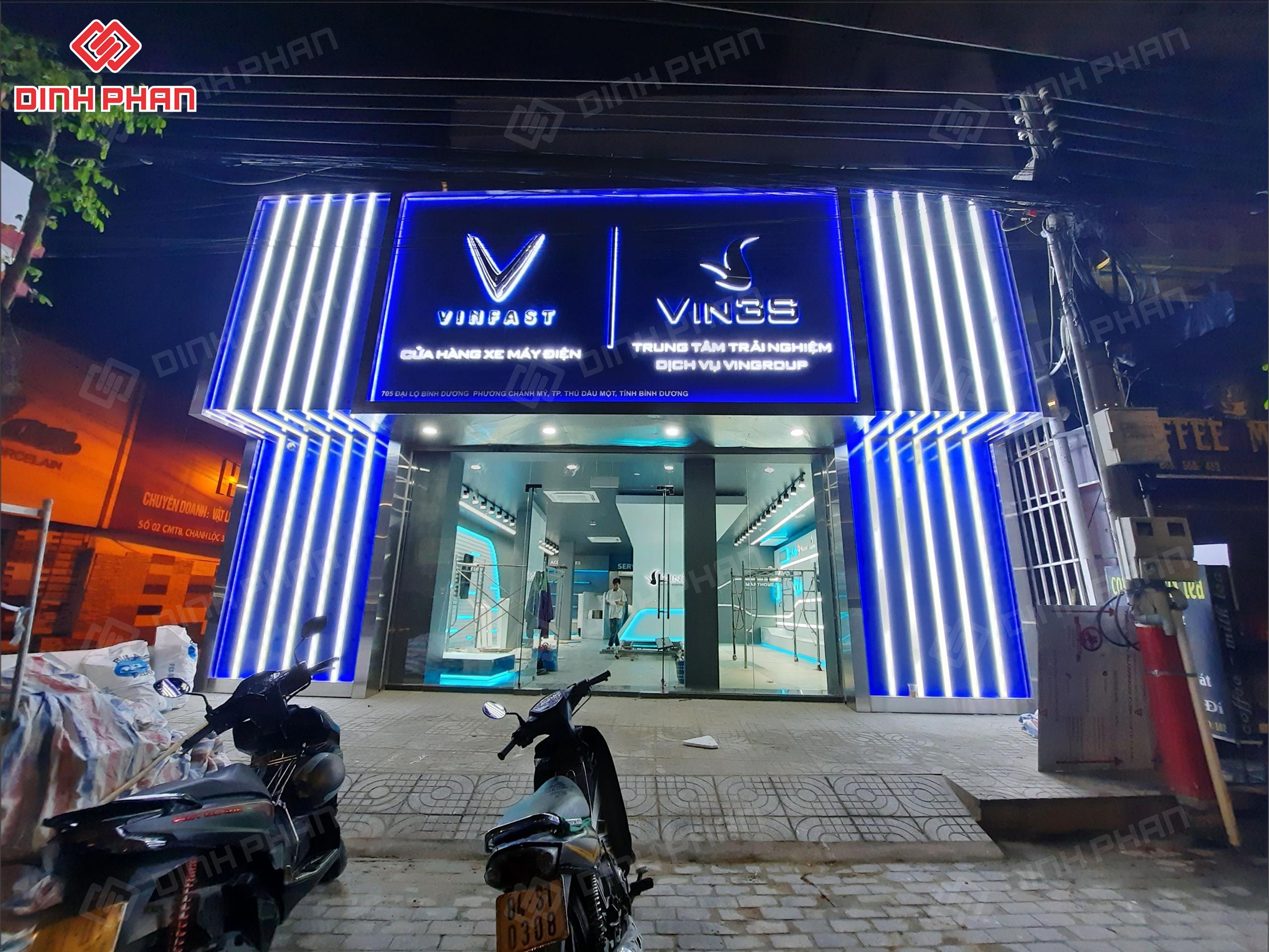 bảng hiệu showroom xe máy điện vin3s